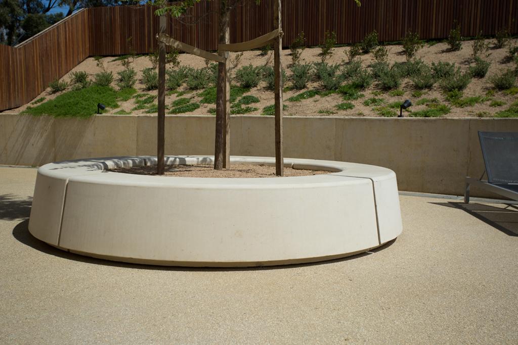 Precast concrete planters for racv resort torquay Concrete planters